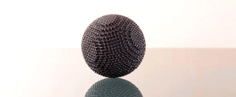 Fusione a fascio di elettroni per realizzazioni a forma libera in metallo